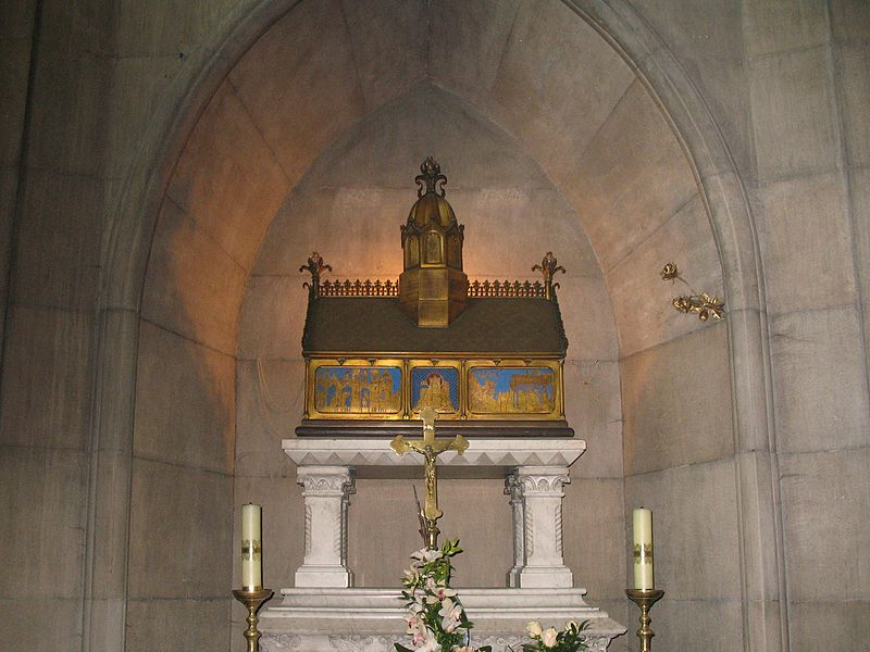 Kirken Marias opptakelse og St Antonius i Gniezno, relikvieskrin for prinsesse Helena Jolenta