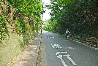 Inamuragasaki - The Gokuraku Pass, where Nitta Yoshisada's army was defeated