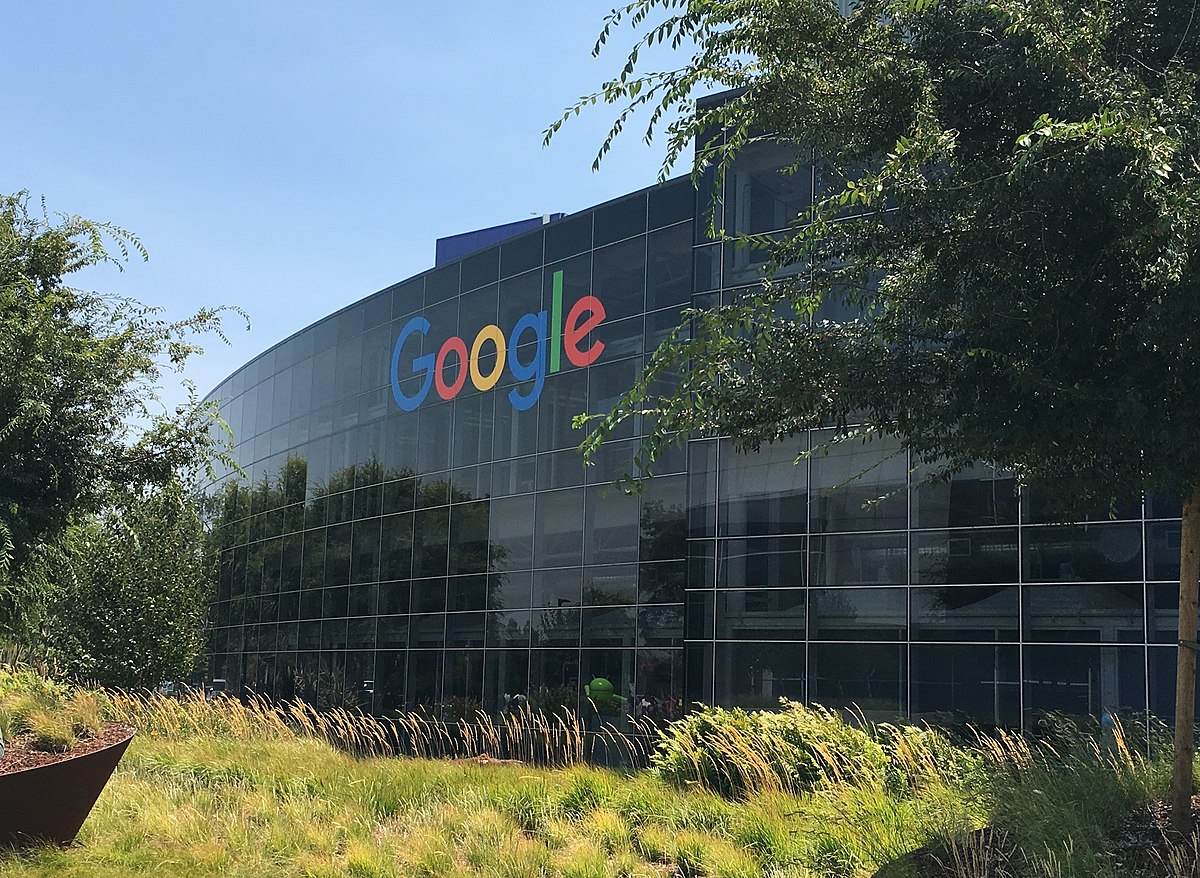 Employees named Pete and Elizabeth are about to learn they're not as popular as they thought The Pancake of Heaven!,Googleplex HQ (cropped),CC BY-SA 4.0