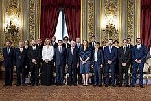 Matteo Salvini, primo a destra, nel giorno del giuramento del Governo Conte I a Palazzo del Quirinale con Sergio Mattarella, il 1º giugno 2018