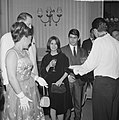 Grand Gala du Disque populier in Kurhaus te Scheveningen Ester Ofarim en echtgen, Bestanddeelnr 915-6277.jpg
