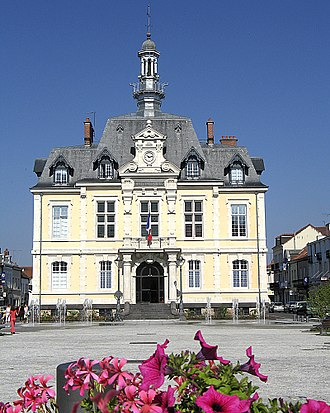 Commentry - Town hall
