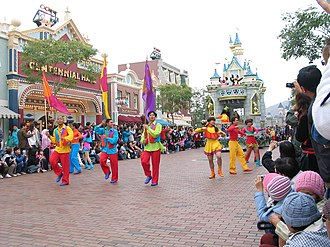 Disney on Parade - Image: HK Disneyland parade 4 by Dave Q