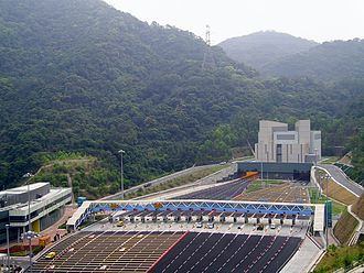 Eagle's Nest Tunnel and Sha Tin Heights Tunnel - Image: HK Eagles Nest Tunnel Shatin Entrance
