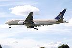HZ-AKI Boeing 777 Saudi (14601000739).jpg