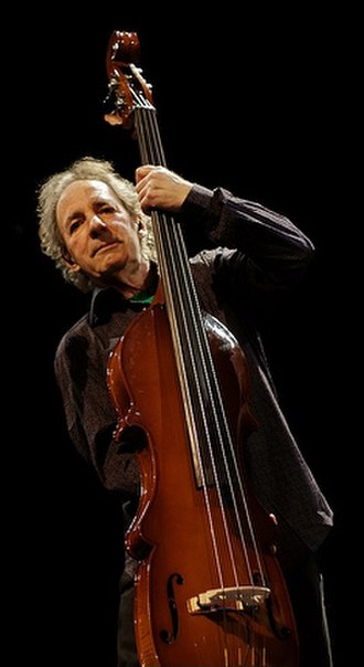 Harry Shearer - Shearer performing in April 2009
