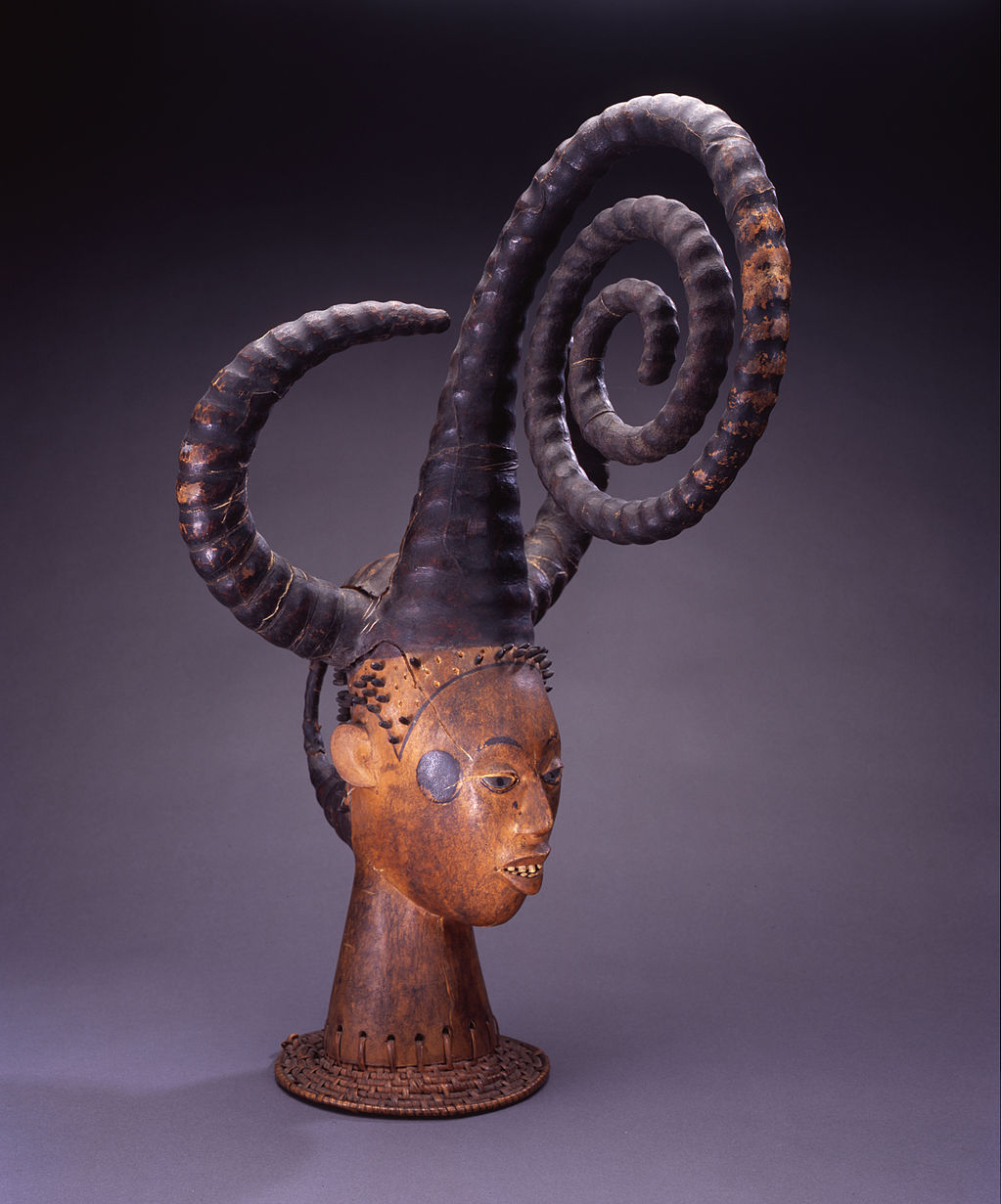 Headdress from Efut peoples