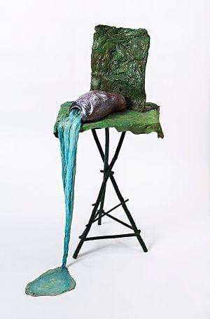 Heidi Bucher - La chute de l'espoir, fiber, wood, glue, acrylic, 117 x 60 x 68 cm, 1986