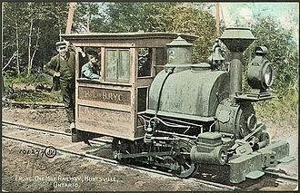 Huntsville and Lake of Bays Transportation Company - Image: Huntsville portage railway engine postcard