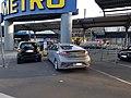 Hyundai Ioniq Elektro an einer Ladestation bei der Metro Düsseldorf.jpg