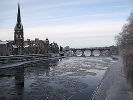 Ice forming on the Tay - geograph.org.uk - 1638366.jpg