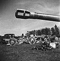 Inleveren van wapens door de Duitsers Verschillende Duitse kanonnen die ingelev, Bestanddeelnr 900-3043.jpg