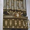 Interieur, balustrade orgelbak, detail stadswapen, orgelnummer 855 - Leiden - 20359390 - RCE.jpg