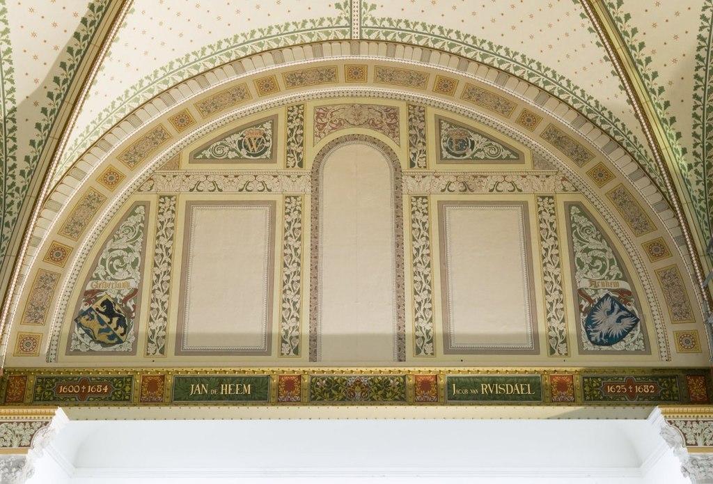 File interieur de herstelde geschilderde decoratie in de eregalerij amsterdam 20535013 - Type decoratie ...