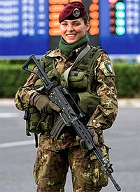 Italian Soldier Olypmic Games Turin 2006.jpg