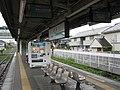 JREast-Sagami-line-Banda-station-platform-20100523.jpg
