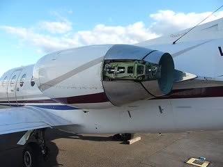 Target-type thrust reversal