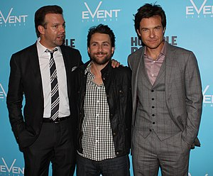 English: Jason Sudeikis, Charlie Day, and Jaso...
