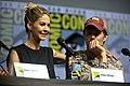 Jenna Elfman & Garret Dillahunt (43642980501).jpg