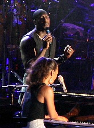 The Voice (U.S. season 2) - Image: Jermaine Paul with Alicia Keys