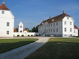Jomfruens Egede - Jomfruens Egede with Øster Egede Church in the background