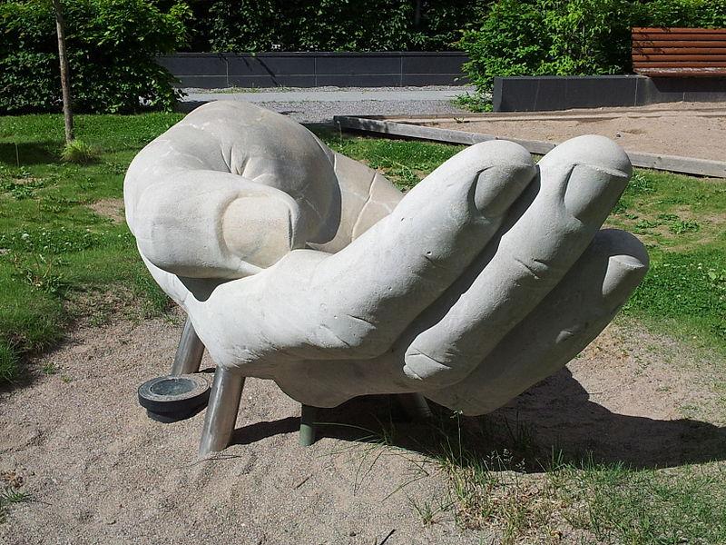Julias hand 2013.jpg