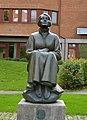 Karin Boye-statyn i Huddinge.jpg