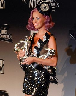 Katy Perry - MTV VMA 2011 (3) cropped