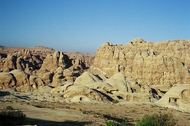 File:Khubtha from Wadi Musa.jpg