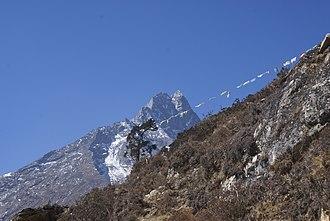 Mount Khumbila - Image: Khumbila 3