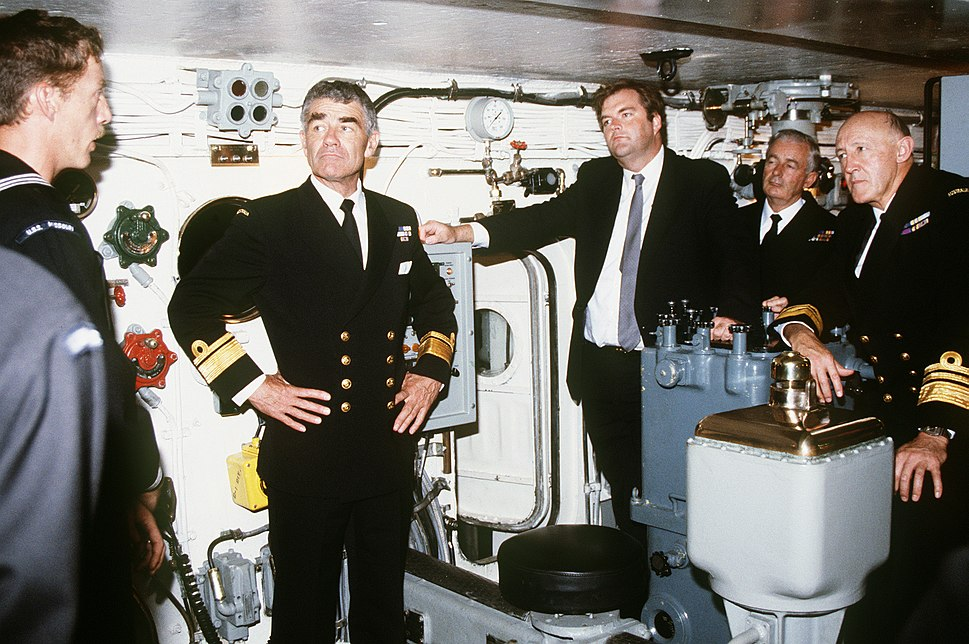 Kim Beazley and other Australian VIPs tour one of the USS Missouri's 16 inch gun turrets in 1986