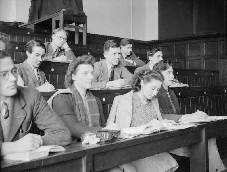 File:King's College London Students Evacuated To Bristol, England, 1940 D430.jpg