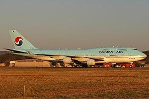 Korean Air Boeing 747-400 CBR Gilbert.jpg