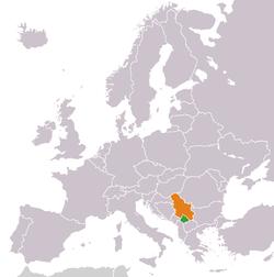 Mapo indikante lokojn de Kosovo kaj Serbio