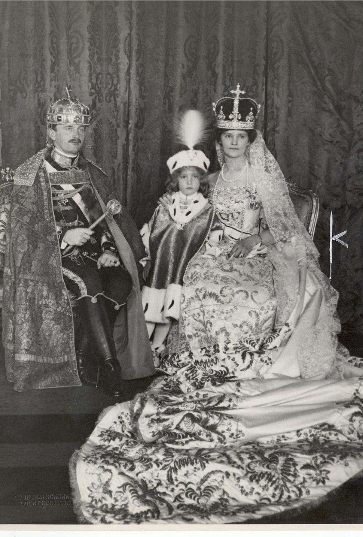 Kroenung Budapest Karl und Zita 1916a