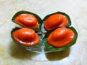 Red tortoise cake - Image: Kue ku Jakarta