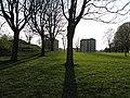 Långa skuggor i Kyrkbyn, Göteborg 2009 - panoramio.jpg