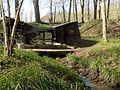 La Neuville-en-Hez (60), lavoir en lisière de la forêt de Hez-Froidmont 5.jpg