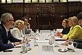 La alcaldesa se reúne con la comisaria europea de Política Regional (04).jpg