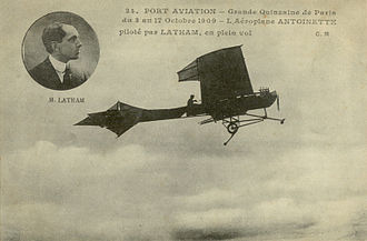"Antoinette (manufacturer) - Hubert Latham in the Antoinette IV. Despite the caption, the photo was not taken at the 1909 ""Grande Quinzaine"" at Port-Aviation, where he flew an Antoinette VII."