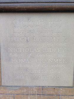 Photo of Nicholas Ridley, Thomas Cranmer, and Hugh Latimer stone plaque