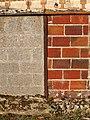 Le Chesne-FR-27-maçonnerie d'un mur de clôture-01a.jpg