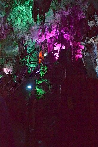 Ledenika - Image: Ledenika cave 008