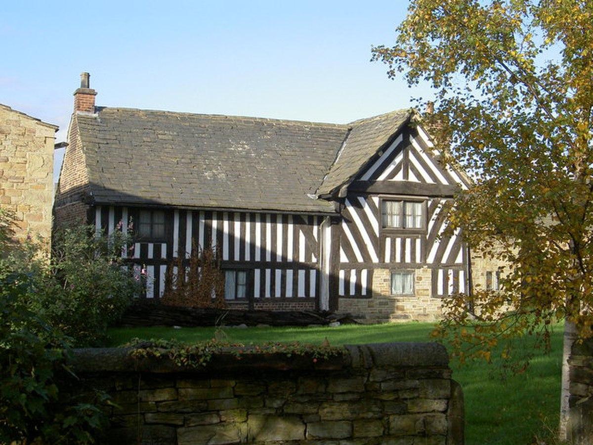 Lees Hall, Thornhill Lees, Dewsbury - geograph.org.uk - 362092.jpg