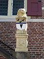 Leeuw Stadhuis Oudewater links.JPG