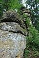 Lhotka, skalní formace u rybníka.jpg