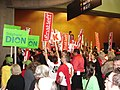 Liberal supporters move into hall dec 1 2006.jpg