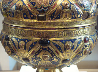 Islamic influences on Western art - Master Alpais' ciborium, circa 1200 with rim engraved with Arabic script, Limoges, France, 1215-30. Louvre Museum MRR 98.