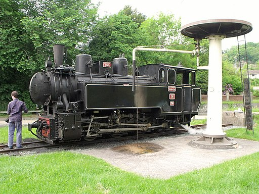 Locomotive at Welshpool - geograph.org.uk - 1926845