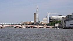 London MMB «I5 Blackfriars Bridge.jpg